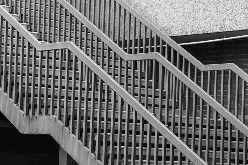 aluminum-staircase-installation