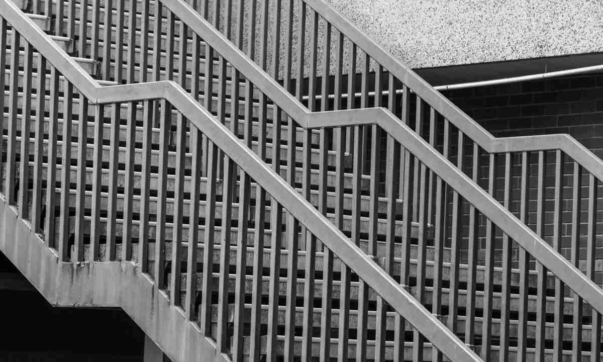 Installation d'escalier en aluminium | Rampes et terrasses